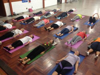 LOU_yoga pela paz_Créd Divulgação Chá Comigo, Chá Conosco (2)