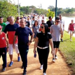 VINHEDO: Em dia marcado por homenagens e eventos esportivos, Prefeitura inaugura novas quadras na Represa I